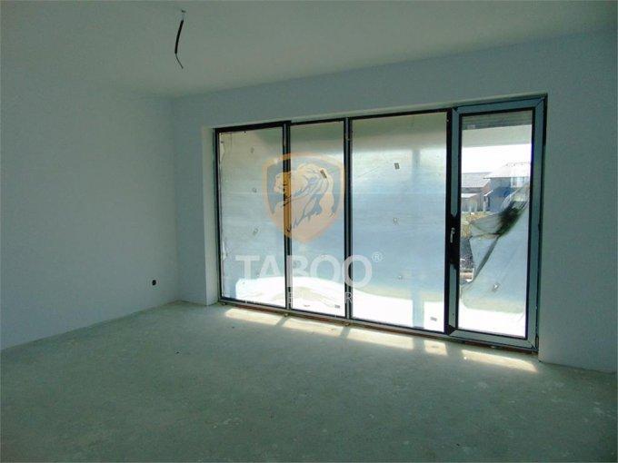 vanzare Apartament Sibiu cu 3 camere, cu 1 grup sanitar, suprafata utila 79 mp. Pret: 58.000 euro.