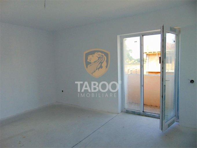 Apartament de vanzare in Sibiu cu 3 camere, cu 2 grupuri sanitare, suprafata utila 76 mp. Pret: 52.800 euro.