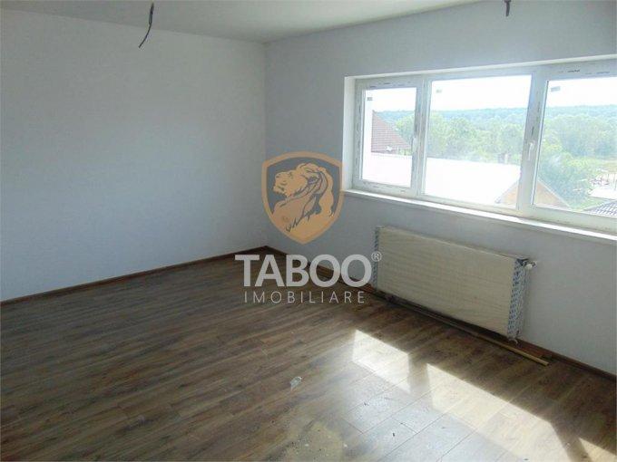Apartament de vanzare direct de la agentie imobiliara, in Sibiu, in zona Calea Cisnadiei, cu 45.000 euro. 1 grup sanitar, suprafata utila 56 mp.