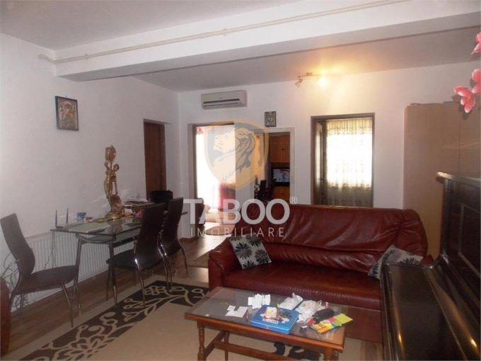 Apartament vanzare Sibiu 3 camere, suprafata utila 67 mp, 1 grup sanitar. 69.000 euro. Etajul 3 / 4. Apartament Turnisor Sibiu