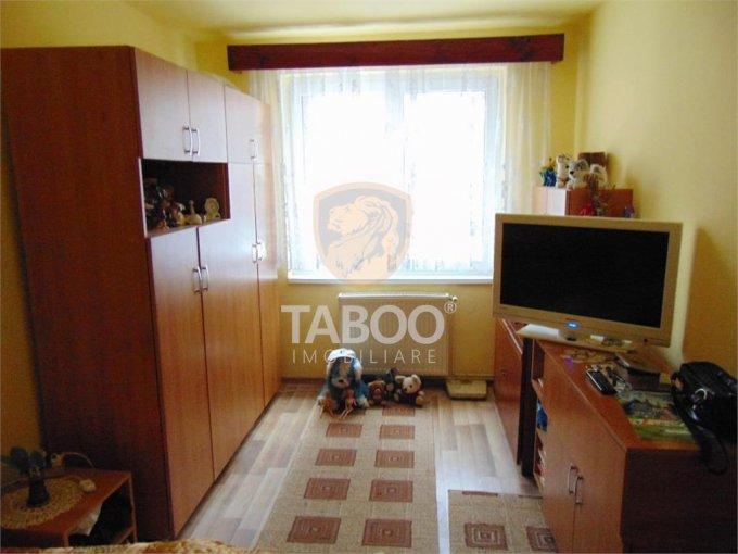 Apartament de vanzare direct de la agentie imobiliara, in Sibiu, in zona Terezian, cu 65.000 euro. 1 grup sanitar, suprafata utila 65 mp.