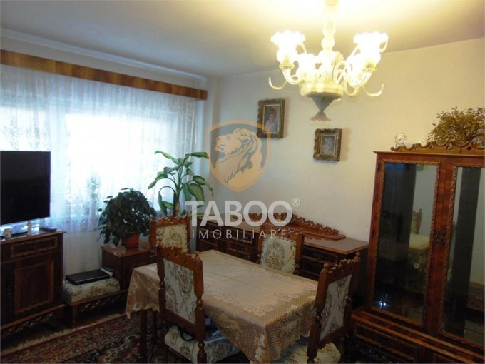 Apartament vanzare Strand cu 3 camere, etajul 4 / 4, 1 grup sanitar, cu suprafata de 62 mp. Sibiu, zona Strand.