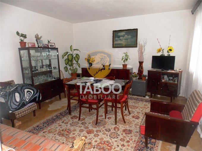 Apartament vanzare cu 3 camere, la Parter / 1, 1 grup sanitar, cu suprafata de 67 mp. Sibiu.