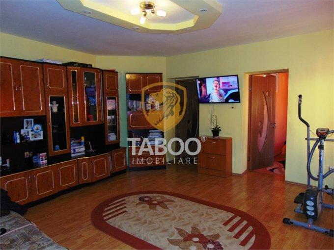 vanzare Apartament Sibiu cu 3 camere, cu 1 grup sanitar, suprafata utila 75 mp. Pret: 93.000 euro.
