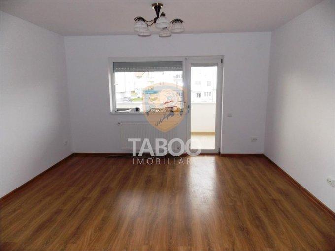 vanzare Apartament Sibiu cu 3 camere, cu 2 grupuri sanitare, suprafata utila 60 mp. Pret: 37.900 euro.