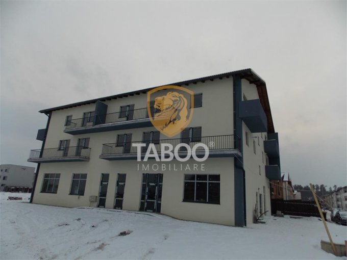 Apartament de vanzare direct de la agentie imobiliara, in Sibiu, in zona Calea Cisnadiei, cu 57.000 euro. 2 grupuri sanitare, suprafata utila 80 mp.