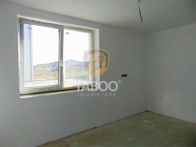 Apartament de vanzare in Sibiu cu 3 camere, cu 1 grup sanitar, suprafata utila 49 mp. Pret: 40.500 euro.