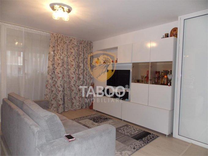 Apartament de vanzare direct de la agentie imobiliara, in Sibiu, in zona Strand, cu 80.000 euro. 1 grup sanitar, suprafata utila 77 mp.