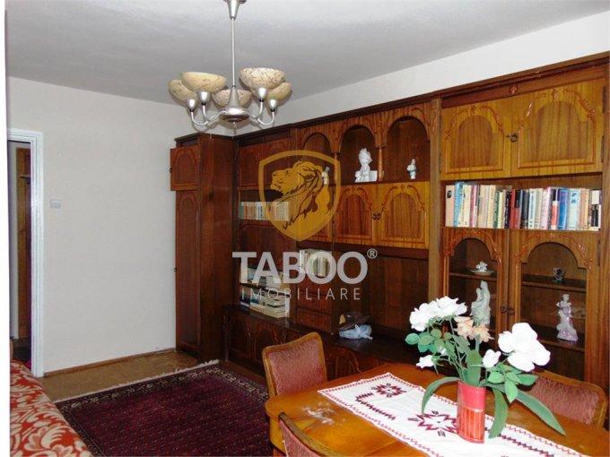 vanzare Apartament Sibiu cu 3 camere, cu 1 grup sanitar, suprafata utila 65 mp. Pret: 79.000 euro.