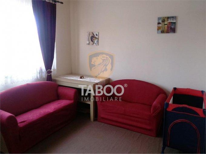 Apartament de vanzare direct de la agentie imobiliara, in Sibiu, in zona Calea Cisnadiei, cu 62.000 euro. 2 grupuri sanitare, suprafata utila 72 mp.