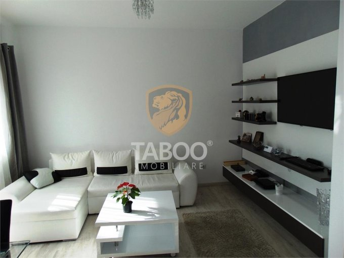 Apartament de vanzare in Sibiu cu 3 camere, cu 2 grupuri sanitare, suprafata utila 62 mp. Pret: 77.000 euro.
