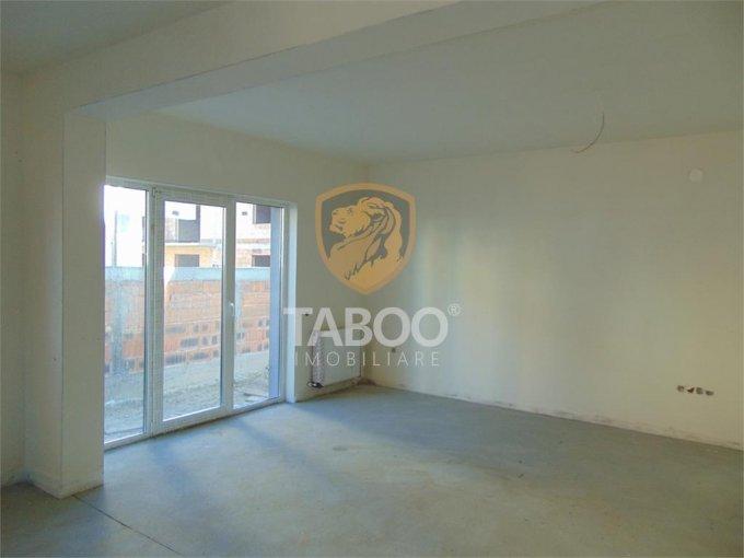 Apartament de vanzare in Sibiu cu 3 camere, cu 2 grupuri sanitare, suprafata utila 101 mp. Pret: 60.000 euro.