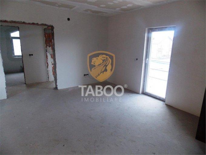 Apartament de vanzare in Sibiu cu 3 camere, cu 2 grupuri sanitare, suprafata utila 101 mp. Pret: 50.000 euro.