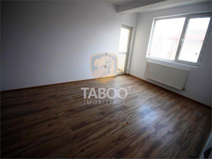 Apartament de vanzare in Sibiu cu 3 camere, cu 1 grup sanitar, suprafata utila 50 mp. Pret: 44.500 euro.