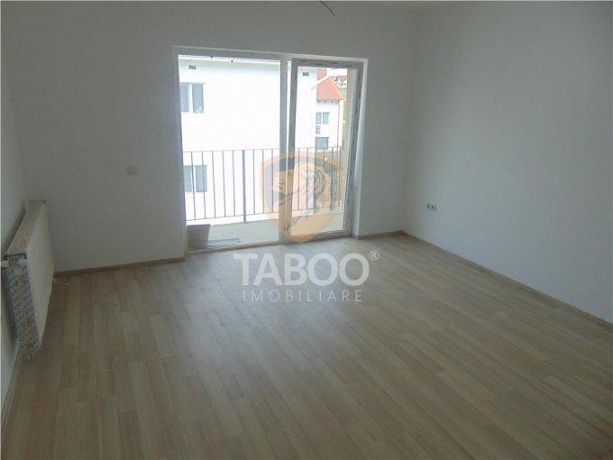 Apartament de vanzare direct de la agentie imobiliara, in Sibiu, in zona Calea Cisnadiei, cu 50.000 euro. 2 grupuri sanitare, suprafata utila 101 mp.