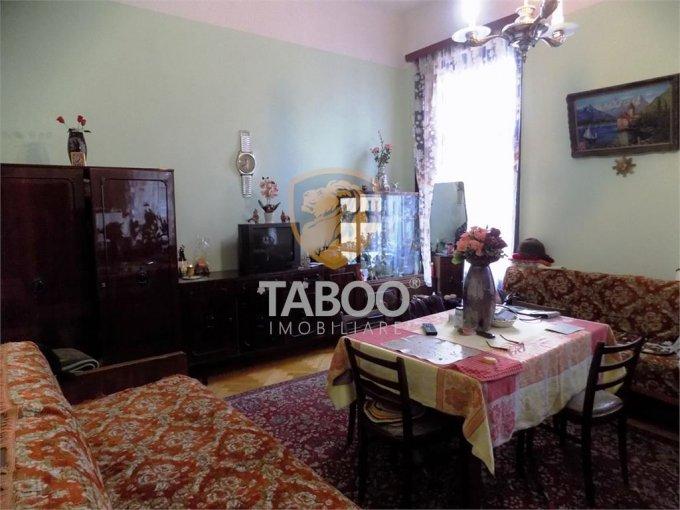 Apartament de vanzare in Sibiu cu 3 camere, cu 1 grup sanitar, suprafata utila 100 mp. Pret: 195.000 euro.