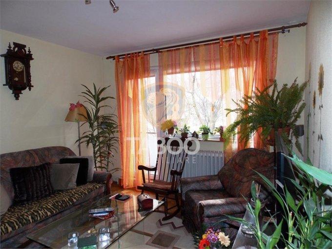 Apartament de vanzare direct de la agentie imobiliara, in Sibiu, cu 74.000 euro. 1 grup sanitar, suprafata utila 68 mp.