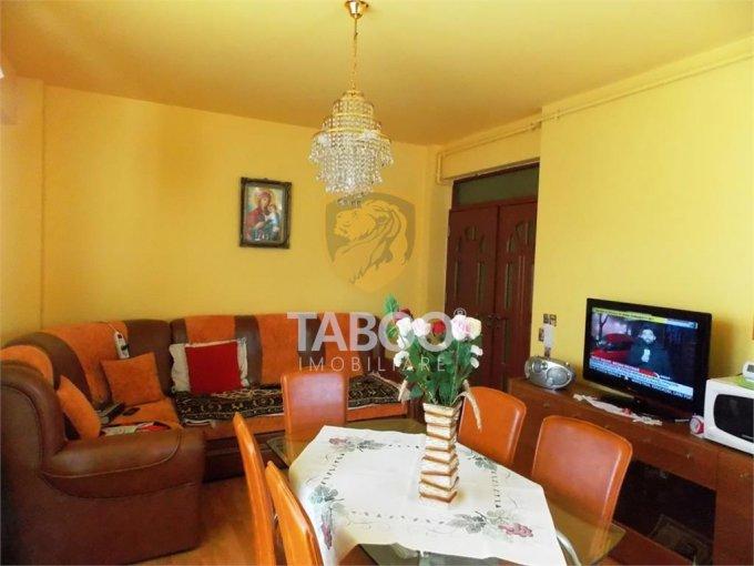 Apartament de vanzare in Sibiu cu 3 camere, cu 1 grup sanitar, suprafata utila 72 mp. Pret: 70.000 euro.