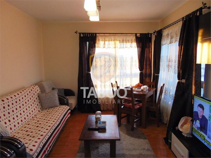 Apartament de vanzare direct de la agentie imobiliara, in Sibiu, in zona Selimbar, cu 60.000 euro. 1 grup sanitar, suprafata utila 69 mp.