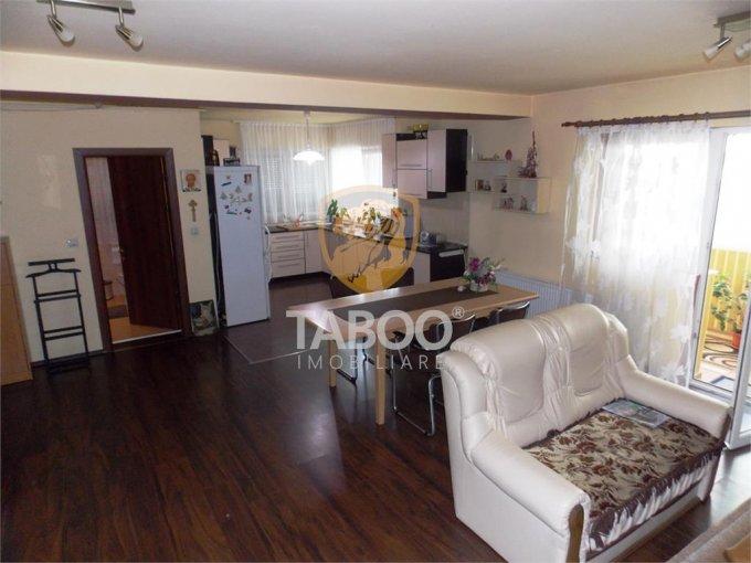 Apartament de vanzare in Sibiu cu 3 camere, cu 1 grup sanitar, suprafata utila 80 mp. Pret: 72.000 euro.