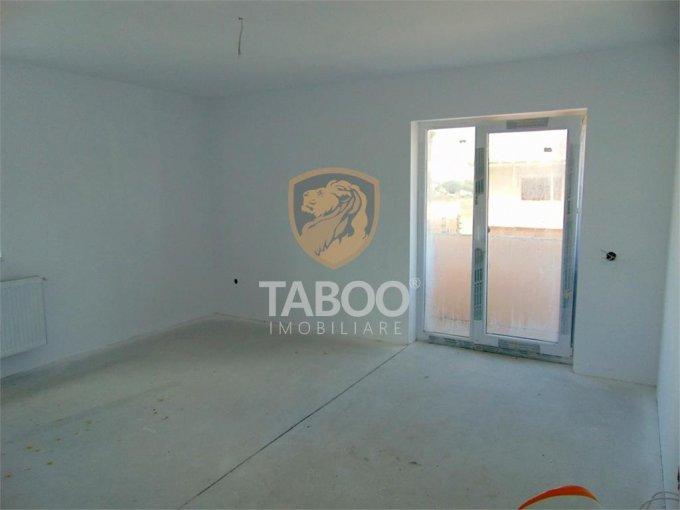 Apartament de vanzare direct de la agentie imobiliara, in Sibiu, in zona Calea Cisnadiei, cu 54.000 euro. 2 grupuri sanitare, suprafata utila 74 mp.