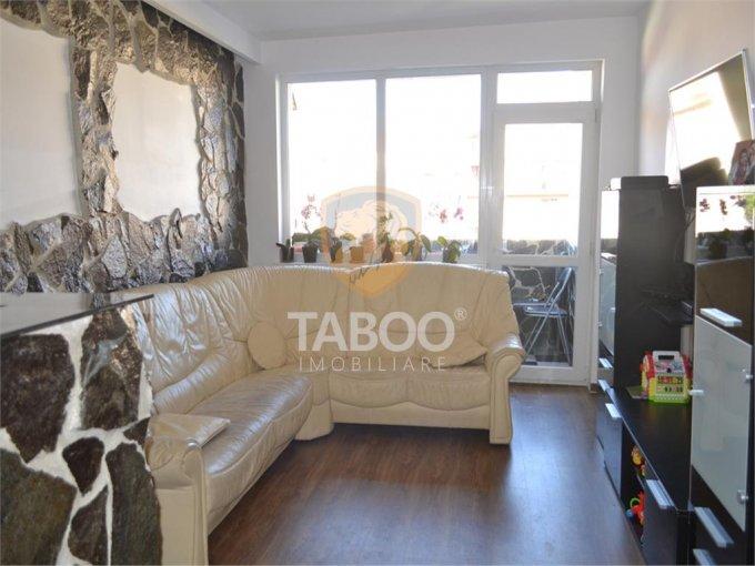 Apartament vanzare Ciresica cu 3 camere, etajul 3 / 10, 2 grupuri sanitare, cu suprafata de 72 mp. Sibiu, zona Ciresica.