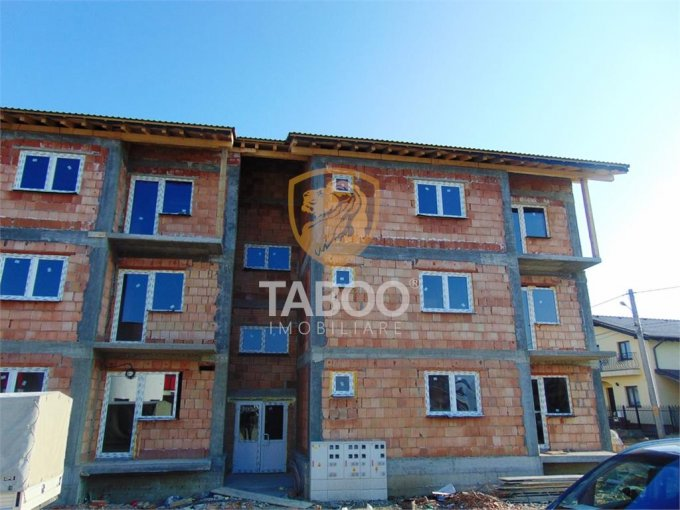 Apartament vanzare Sibiu 3 camere, suprafata utila 49 mp, 1 grup sanitar. 37.300 euro. Etajul 1 / 2. Apartament Calea Cisnadiei Sibiu