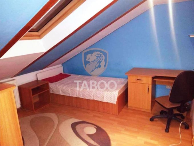 Apartament de inchiriat in Sibiu cu 3 camere, cu 1 grup sanitar, suprafata utila 56 mp. Pret: 250 euro.