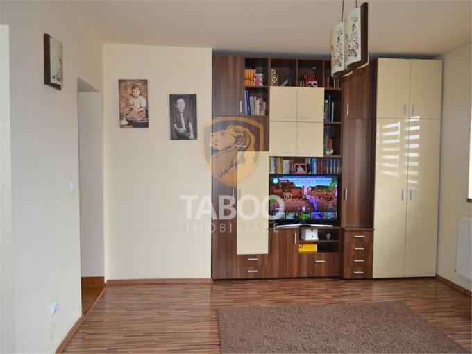 Apartament de vanzare direct de la agentie imobiliara, in Sibiu, in zona Selimbar, cu 78.000 euro. 2 grupuri sanitare, suprafata utila 77 mp.