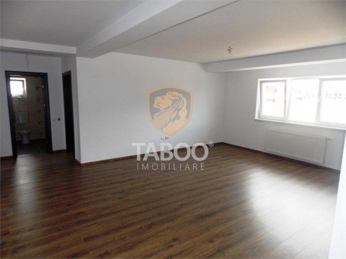 vanzare Apartament Sibiu cu 3 camere, cu 2 grupuri sanitare, suprafata utila 75 mp. Pret: 69.900 euro.