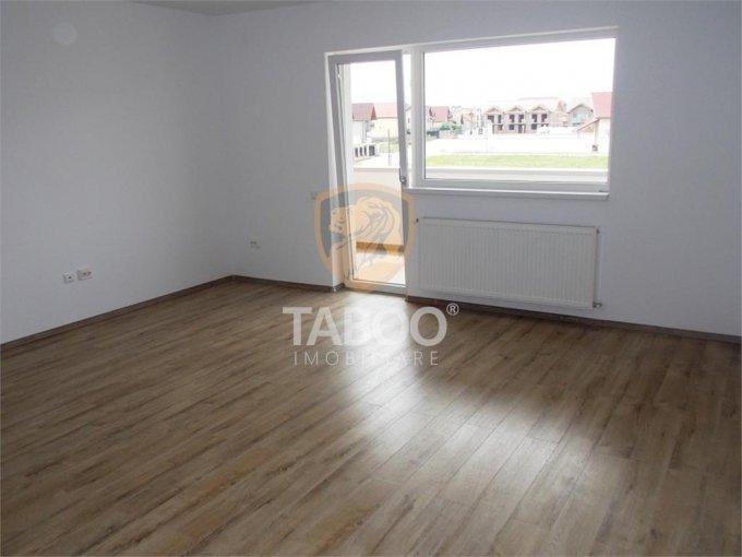 Apartament de vanzare in Sibiu cu 3 camere, cu 2 grupuri sanitare, suprafata utila 75 mp. Pret: 69.900 euro.