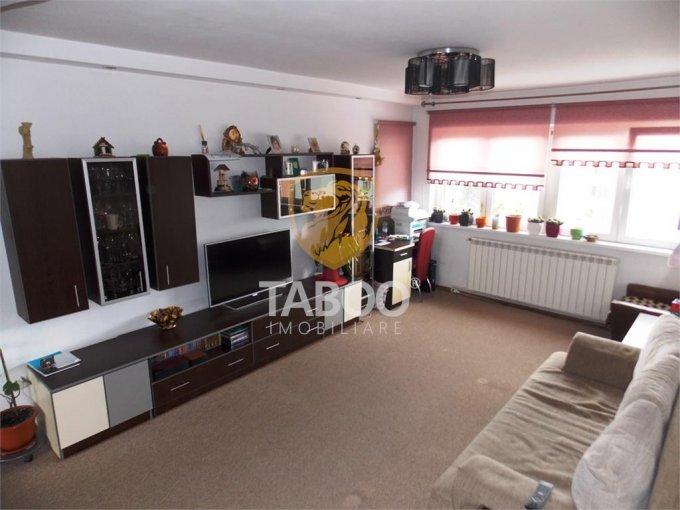 vanzare Apartament Sibiu cu 3 camere, cu 1 grup sanitar, suprafata utila 70 mp. Pret: 79.990 euro.