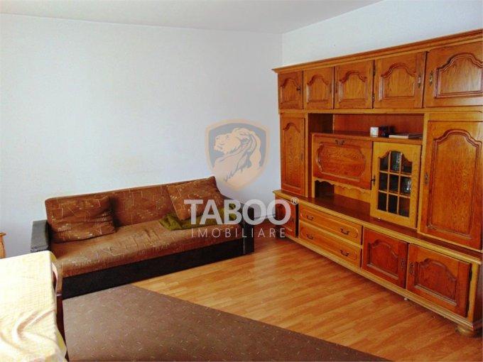 vanzare Apartament Sibiu cu 3 camere, cu 2 grupuri sanitare, suprafata utila 72 mp. Pret: 72.000 euro.