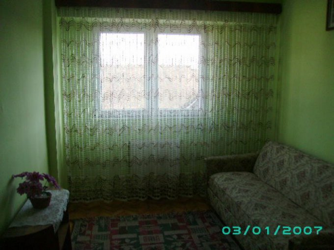 proprietar inchiriez apartament decomandata, in zona Valea Aurie, orasul Sibiu