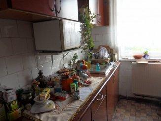 vanzare apartament cu 3 camere, semidecomandat, in zona Hipodrom 2, orasul Sibiu