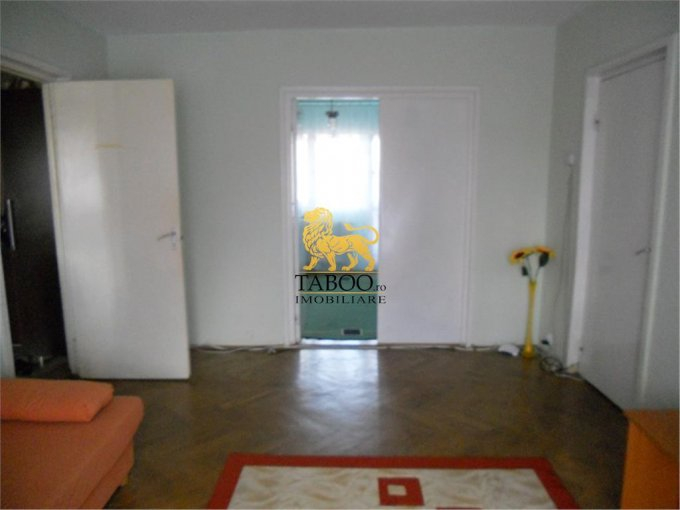 Apartament cu 3 camere de vanzare, confort 2, Sibiu