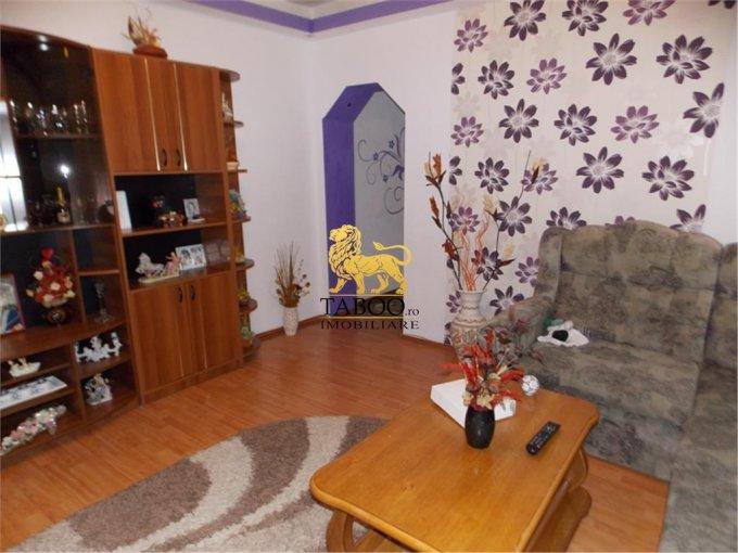 Apartament de vanzare in Sibiu cu 3 camere, cu 1 grup sanitar, suprafata utila 75 mp. Pret: 75.000 euro.