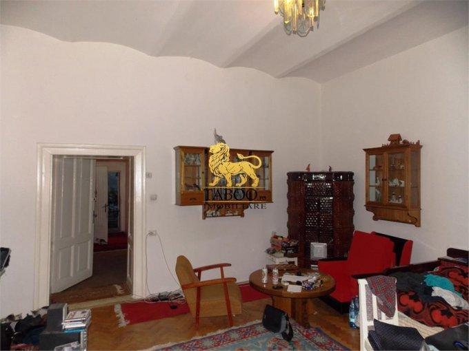 vanzare Apartament Sibiu cu 3 camere, cu 1 grup sanitar, suprafata utila 90 mp. Pret: 72.000 euro.