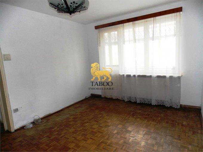 Apartament de vanzare direct de la agentie imobiliara, in Sibiu, in zona Calea Dumbravii, cu 50.500 euro. 1 grup sanitar, suprafata utila 66 mp.