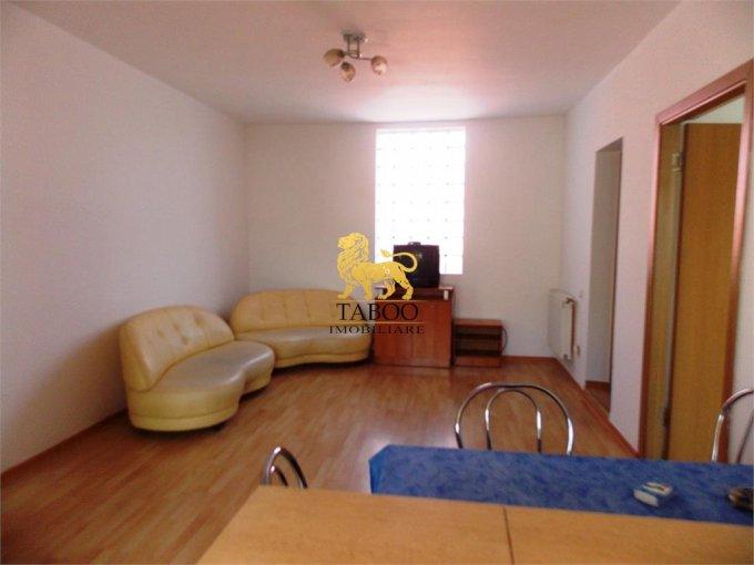 Apartament vanzare Sibiu 3 camere, suprafata utila 66 mp, 1 grup sanitar. 51.000 euro. Etajul 1 / 2. Apartament Turnisor Sibiu