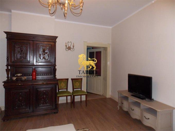 Apartament de inchiriat in Sibiu cu 3 camere, cu 1 grup sanitar, suprafata utila 85 mp. Pret: 800 euro.