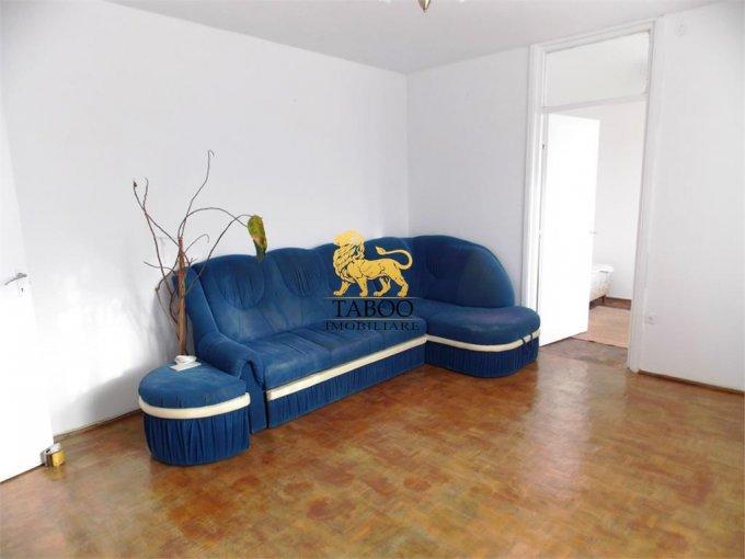Apartament inchiriere cu 3 camere, etajul 3 / 4, 1 grup sanitar, cu suprafata de 55 mp. Sibiu.