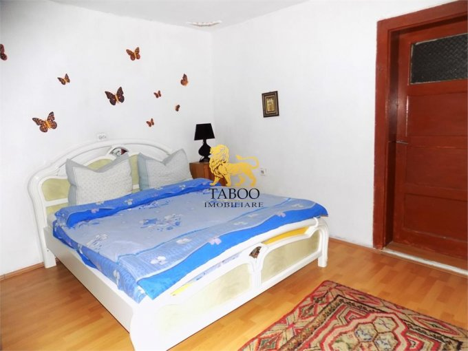 Apartament vanzare cu 3 camere, la Parter, 1 grup sanitar, cu suprafata de 56 mp. Sibiu.