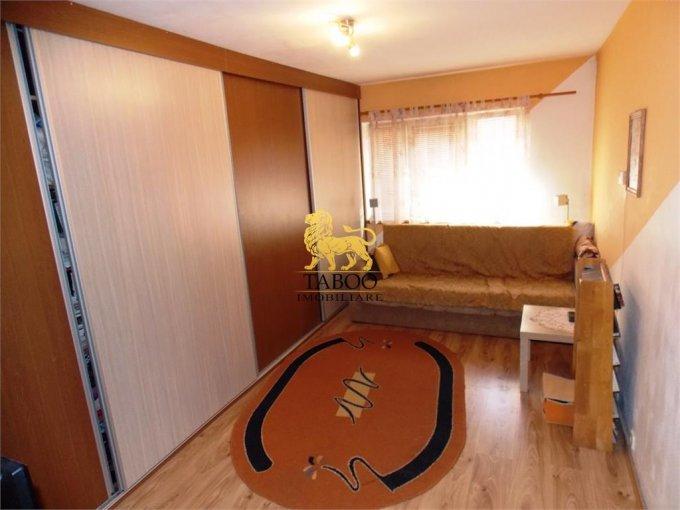 Apartament vanzare Terezian cu 3 camere, la Parter / 4, 1 grup sanitar, cu suprafata de 70 mp. Sibiu, zona Terezian.