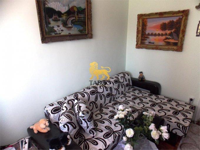 Apartament vanzare Sibiu 3 camere, suprafata utila 42 mp, 1 grup sanitar. 46.500 euro. Etajul 1 / 4. Apartament Sibiu