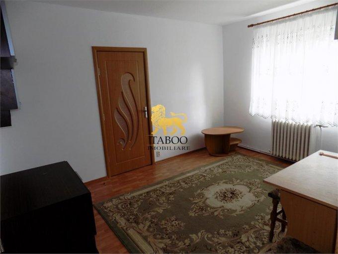 Apartament de vanzare direct de la agentie imobiliara, in Sibiu, cu 46.000 euro. 1 grup sanitar, suprafata utila 53 mp.