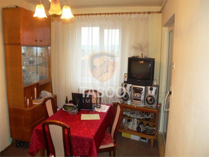 Apartament vanzare Tiglari cu 3 camere, etajul 4 / 4, 1 grup sanitar, cu suprafata de 42 mp. Sibiu, zona Tiglari.