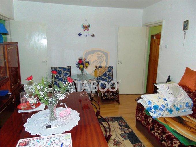 vanzare Apartament Sibiu cu 3 camere, cu 1 grup sanitar, suprafata utila 52 mp. Pret: 57.500 euro.