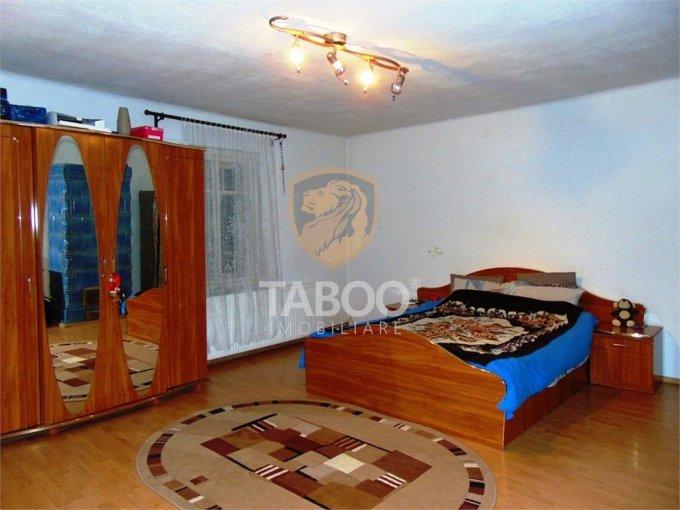 Apartament de vanzare in Sibiu cu 3 camere, cu 1 grup sanitar, suprafata utila 125 mp. Pret: 69.000 euro.