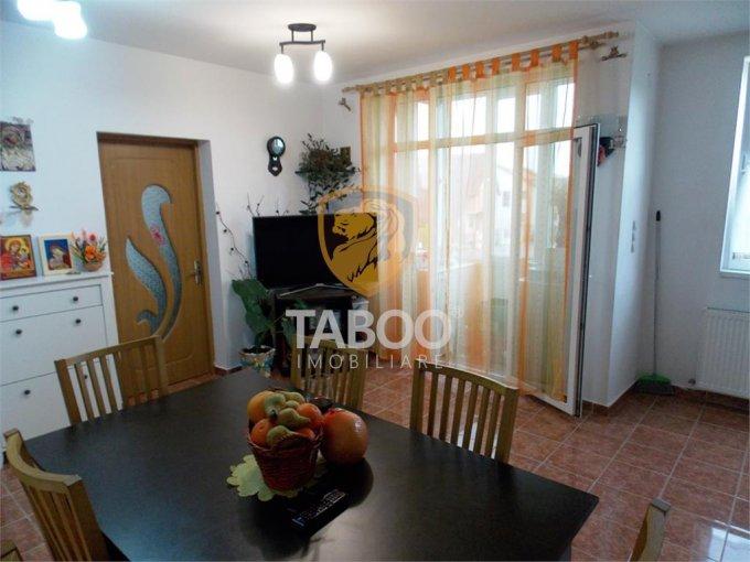 vanzare Apartament Sibiu cu 3 camere, cu 1 grup sanitar, suprafata utila 54 mp. Pret: 57.000 euro.